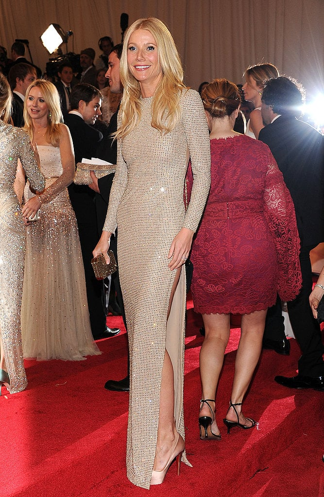 Front view of Gwyneth\'s shimmering Stella McCartney gown. | Gwyneth ...