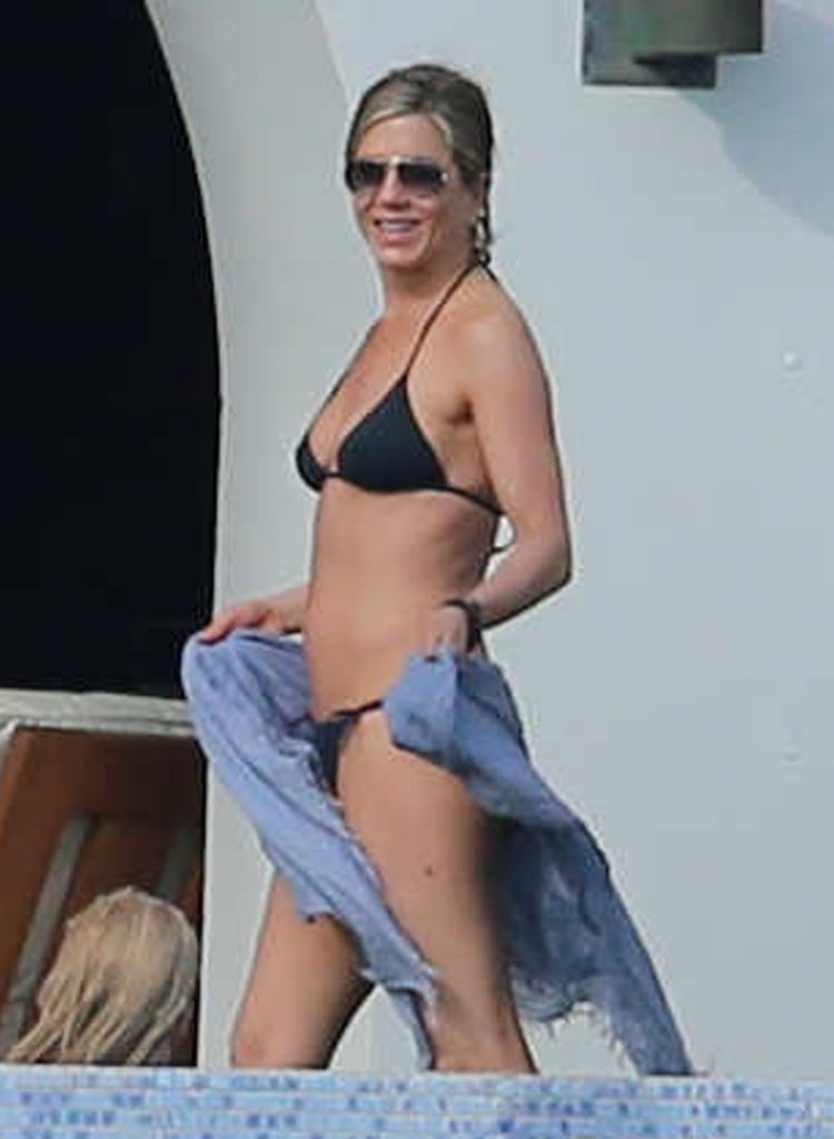 Jennifer Aniston, 49