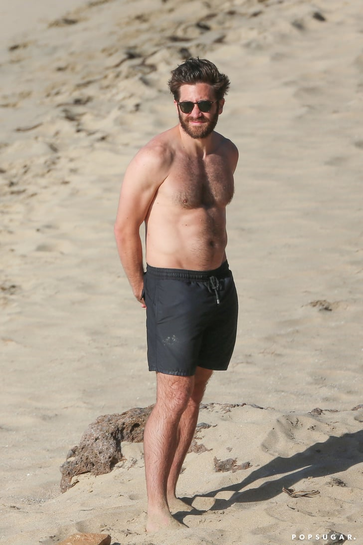 Jake Gyllenhaal Shirtless Pictures in St. Barts January ...