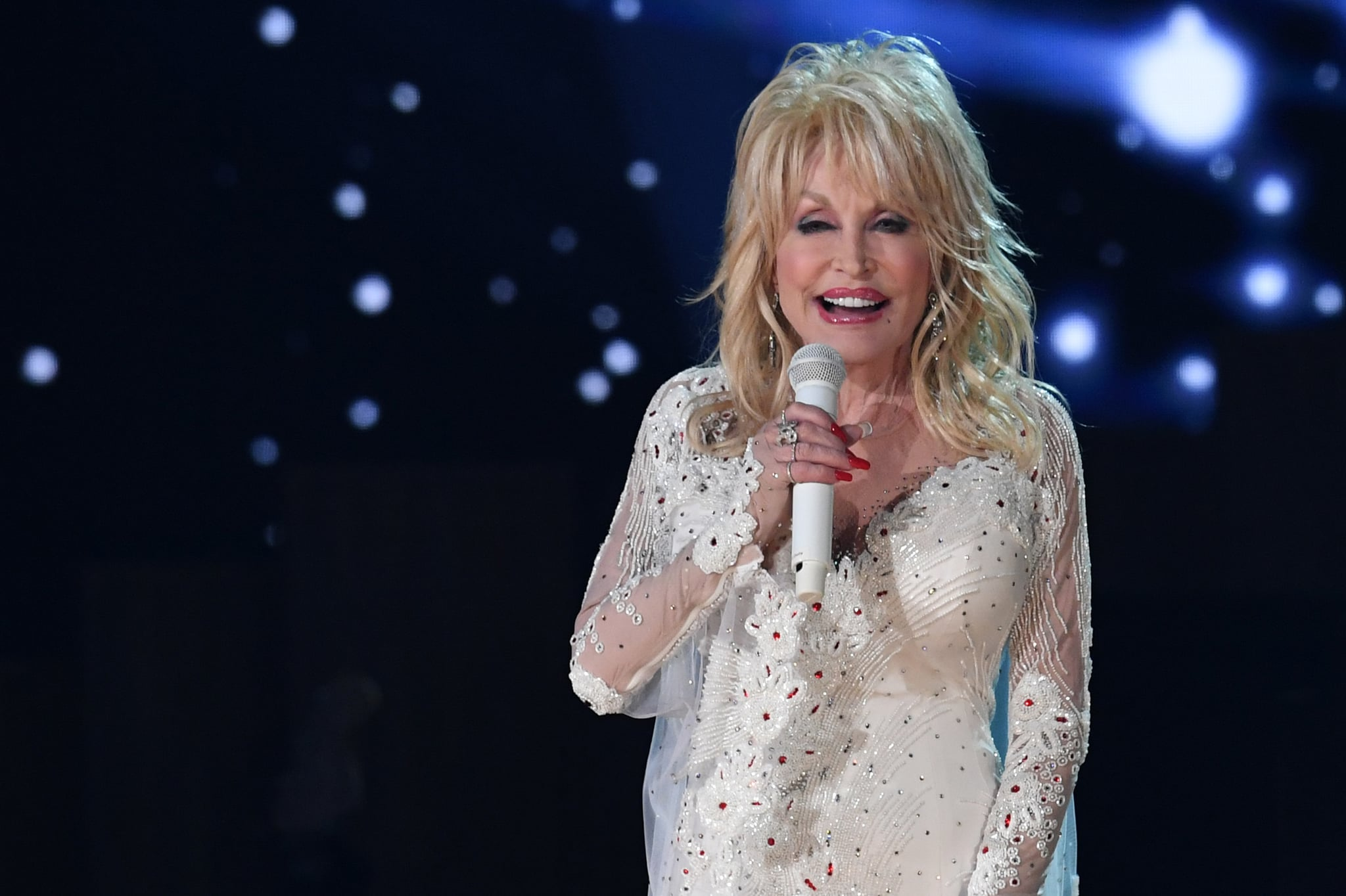 US singer Dolly Parton performs onstage during the 61st Annual Grammy Awards on February 10, 2019, in Los Angeles. (Photo by Robyn Beck / AFP) (Photo by ROBYN BECK/AFP via Getty Images)