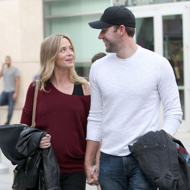 Pregnant Emily Blunt and John Krasinski Go Walking | Photos