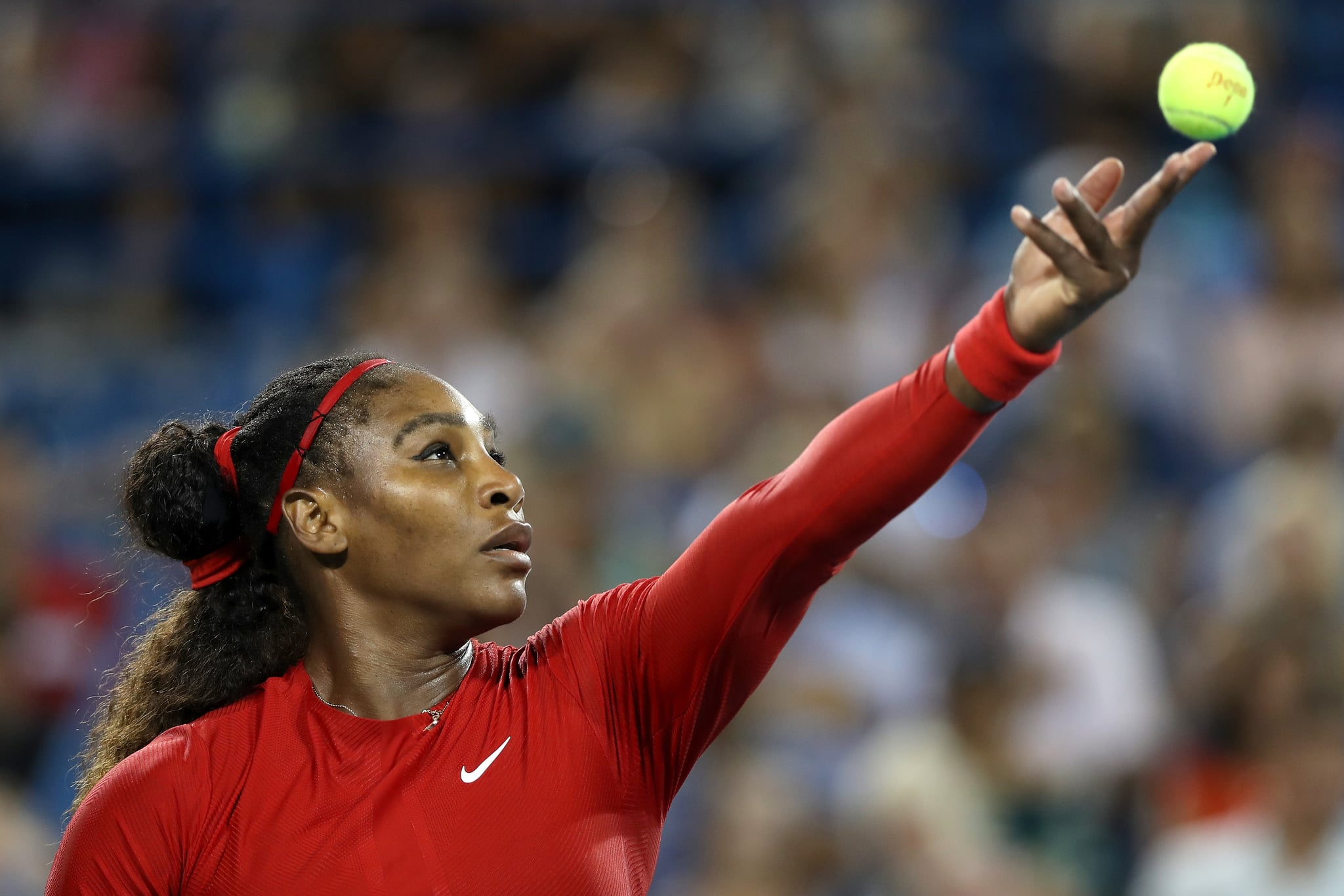 MASON, OH - AUGUST 14:  Serena Williams serves to Petra Kvitova of Czech Republic during the Western & Southern Open at Lindner Family Tennis Center on August 14, 2018 in Mason, Ohio.  (Photo by Matthew Stockman/Getty Images)