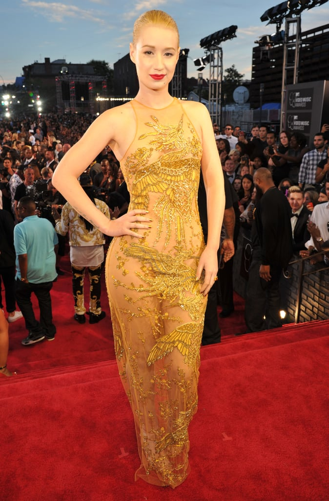 Iggy Azalea posed on the red carpet at the VMAs.