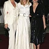 Kim Basinger posed in between Stella McCartney and Scarlett Johansson in 2006.
