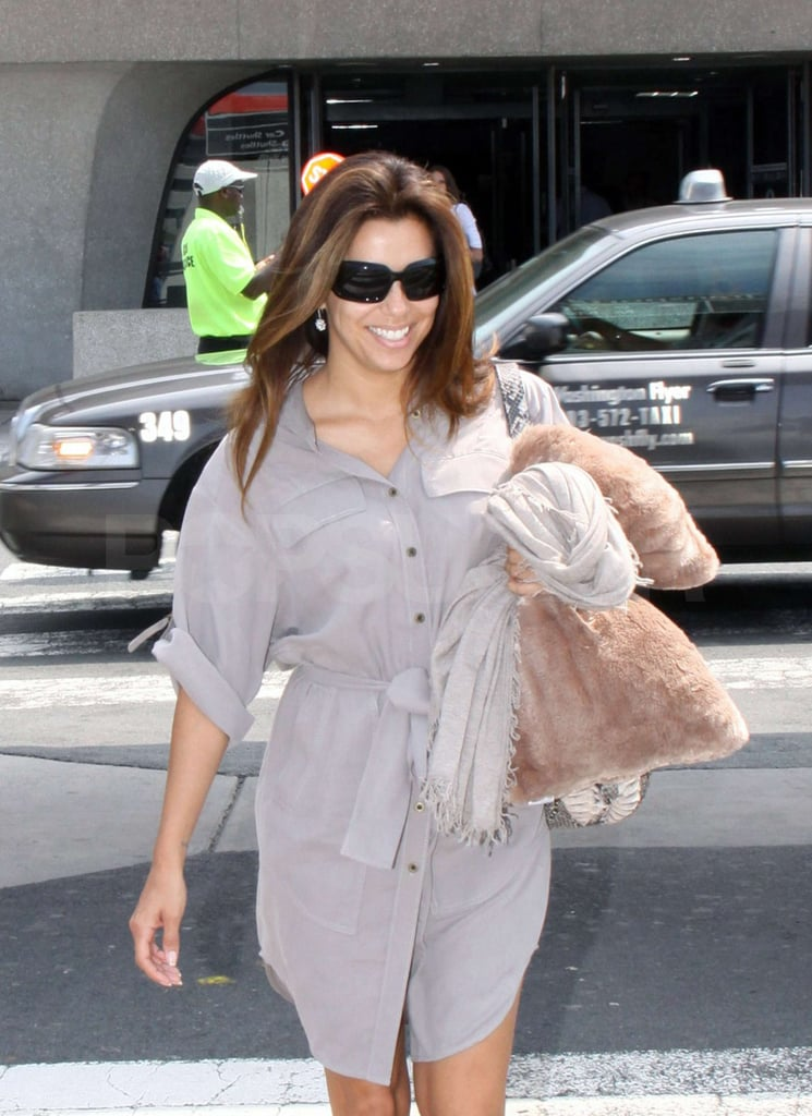 Eva Longoria flashed a smile.