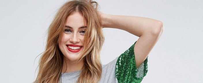"""9 """"Ugly Holiday Tees"""" That Would Actually Look Cute With a Pair of Jeans"""