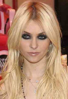 Beauty Byte: Taylor Momsen Fronts Galliano Fragrance!