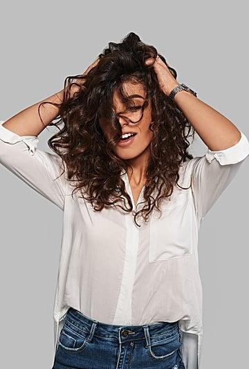 نصائح لتصفيف الشعر المجعد