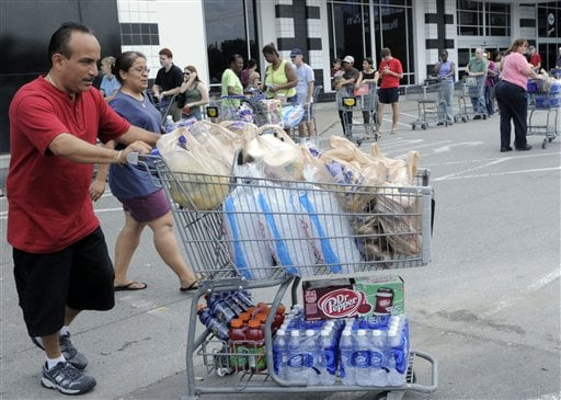 FEMA Struggles to Provide Aid As Ike Survivors May Wait Weeks For Food, Water And Electricity