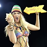 Gigi channeled her inner island queen for Tommy Hilfiger's Caribbean beach show.
