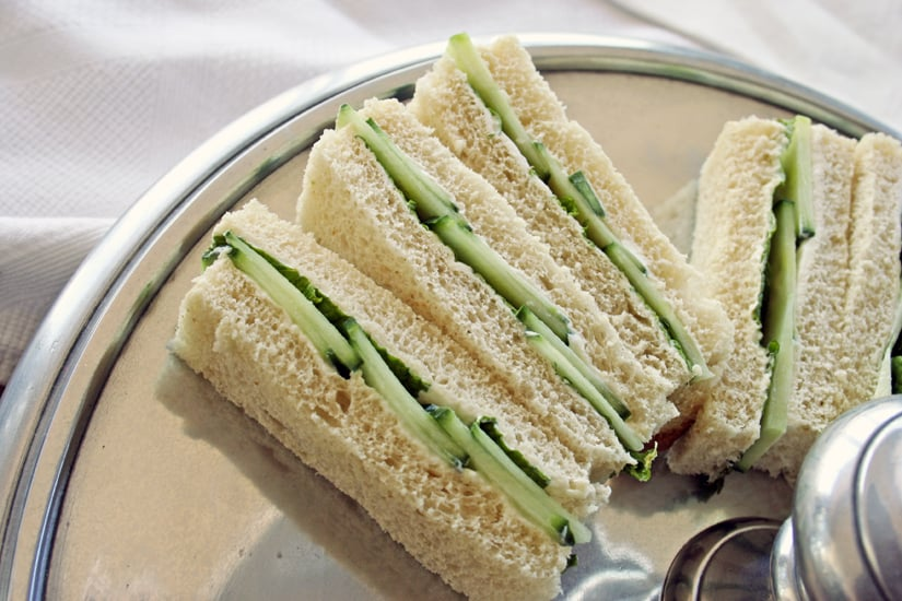 how to cut finger sandwiches