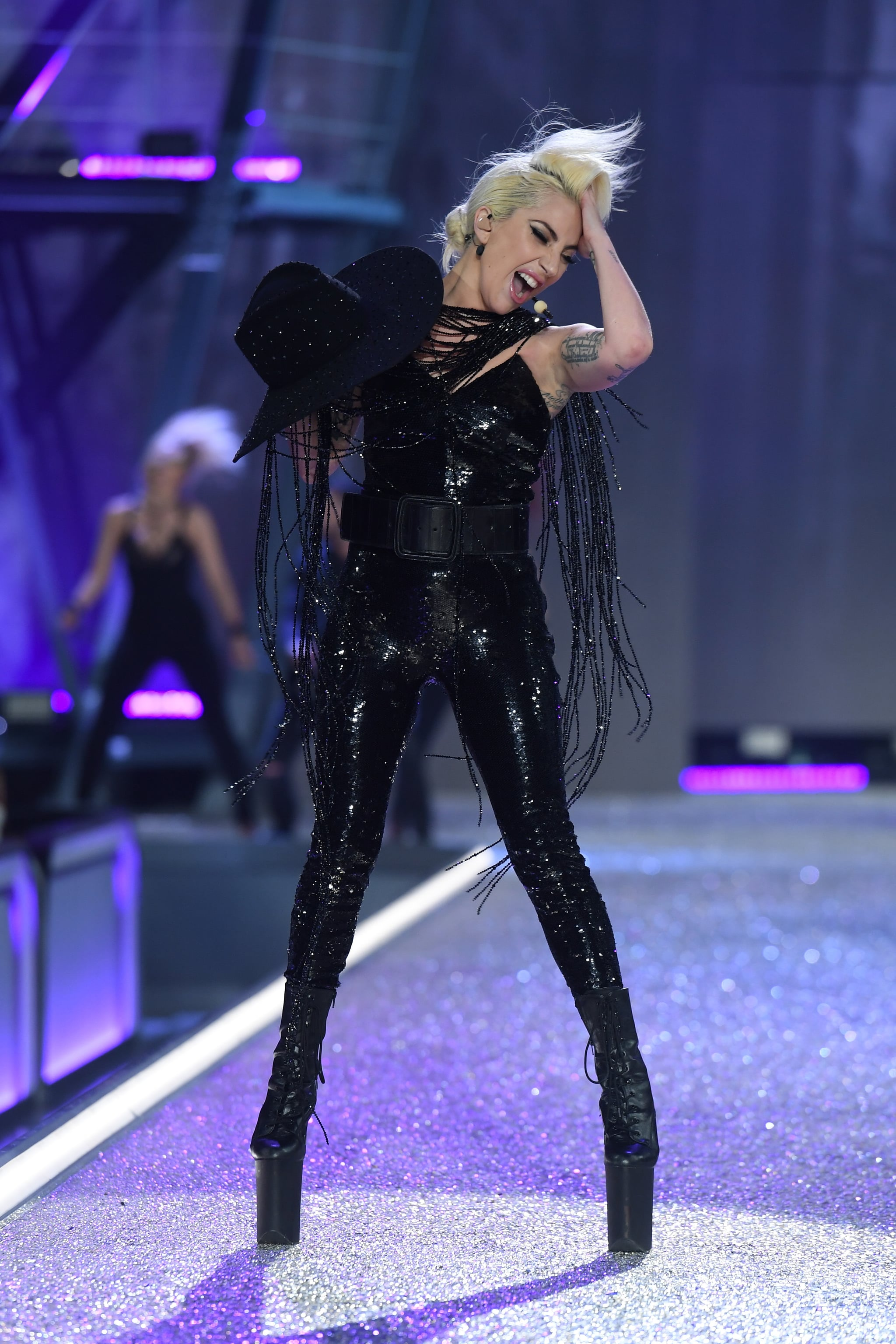 Lady-Gaga-Victoria-Secret-Fashion-Show-2