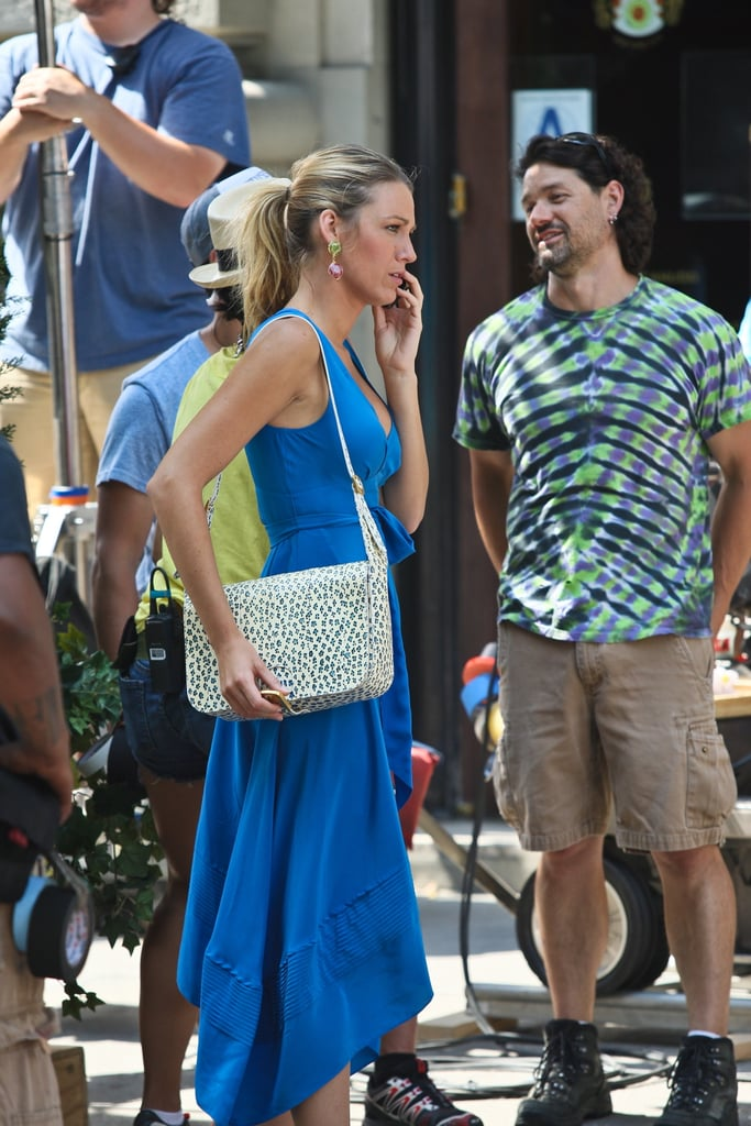 Blake Lively carried a purse with her on set in NYC.