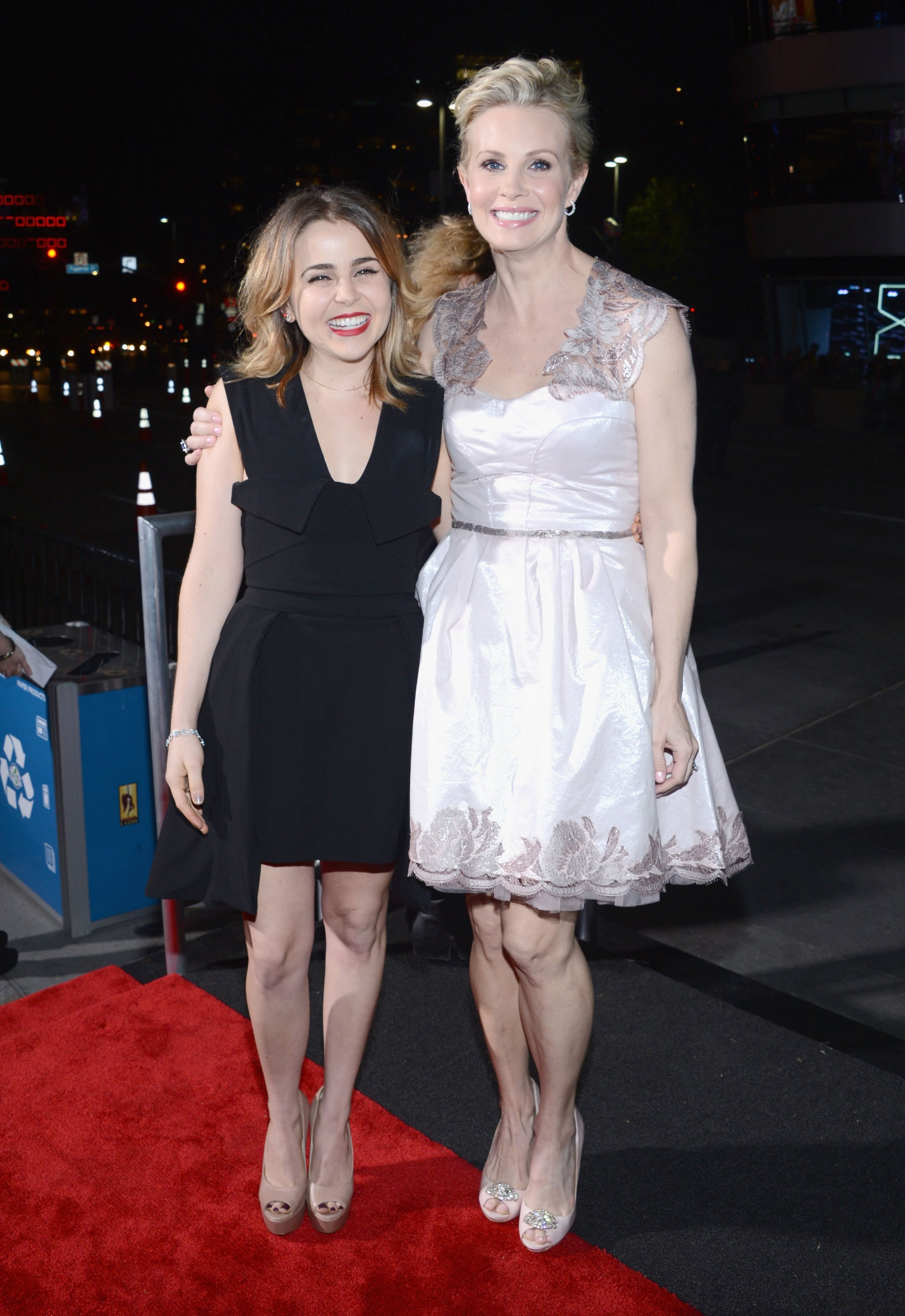 Mae Whitman and Monica Potter linked up at the People's Choice Awards.