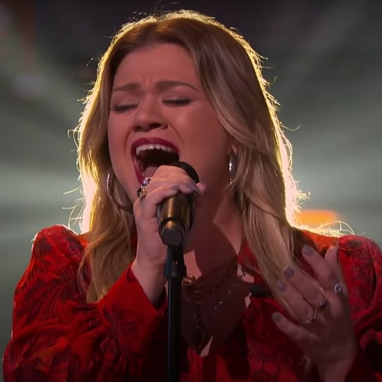 Watch Kelly Clarkson Sing a Christmas Cover on Her Show