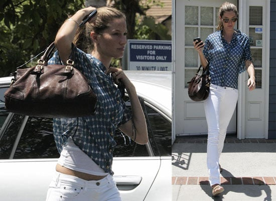 Photos of Pregnant Gisele Bundchen in LA 2009-06-24 07:55:08