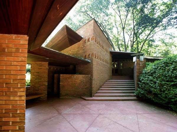 on the market frank lloyd wright 39 s palmer house