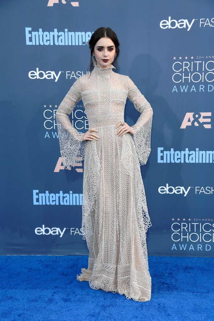 apis rouge, looks, looks de tapis rouge, red carpet, outfits, cérémonie, critic's choice awards, mode, robes,