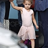 Harlow wore black ballet shoes.