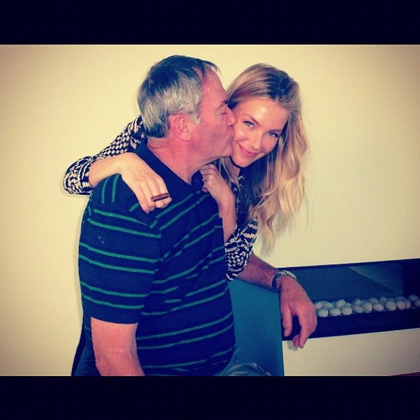 Jennifer Hawkins got a sweet kiss from her father. Source: Instagram user jenhawkins_