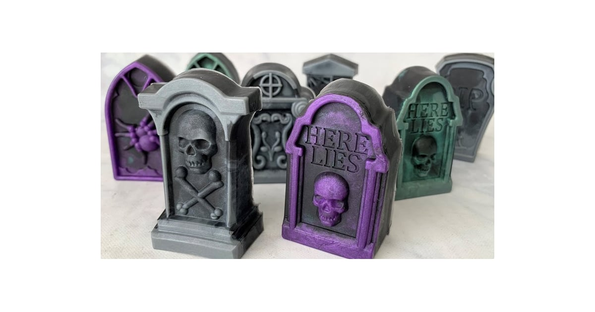 17 Fun Halloween Decorations to Add a Spooky Flare to Your Bathroom