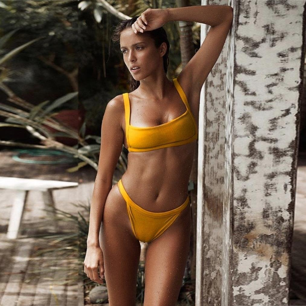 18 Best Swimsuits for Small Busts 2020