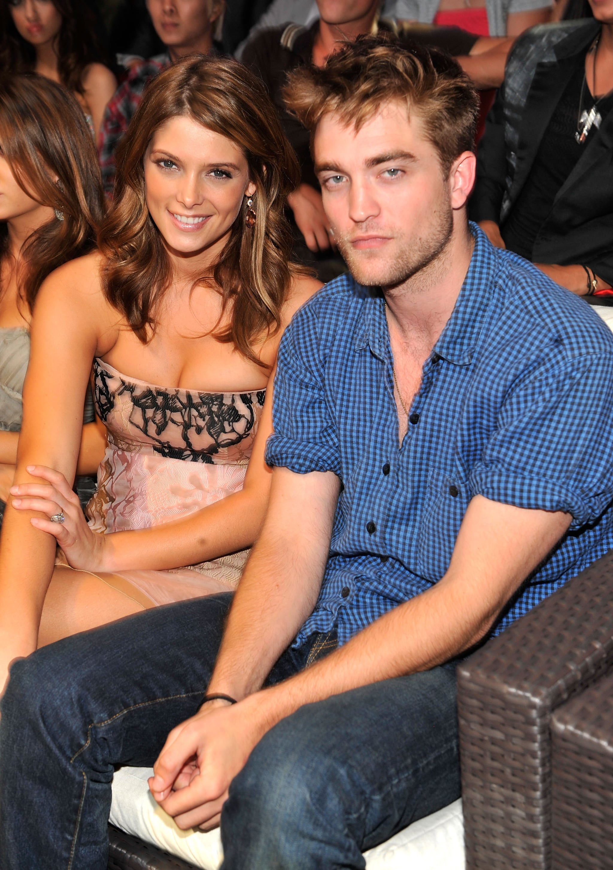 Robert pattinson whos dating