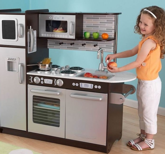 41 Hot Gifts For Little Foodies Who Like to Cook