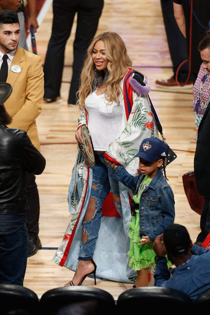 Beyonce 39 S Gucci Robe At The Nba All Star Game 2017 Popsugar Fashion Photo 6