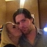 Carrie Underwood planted a kiss on her husband, Mike Fisher. Source: Twitter user carrieunderwood