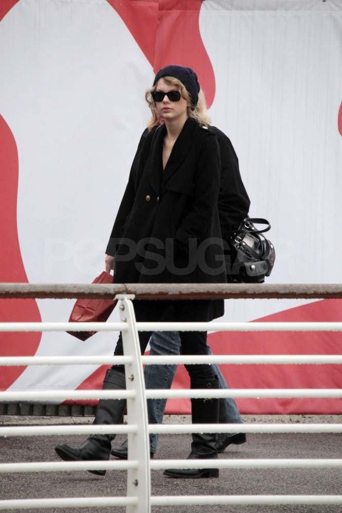 Taylor Swift and Her Baggage Skip Between Italian Cities