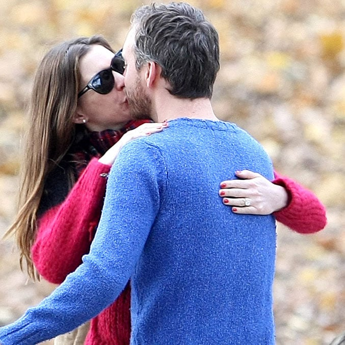 Anne Hathaway Engaged Celebrity Save The Dateanne: Anne Hathaway Diamond Engagement Ring Pictures