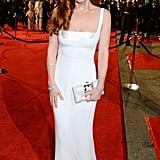 Let Isla Fisher Remind You of the Power of a Good, Simple Dress