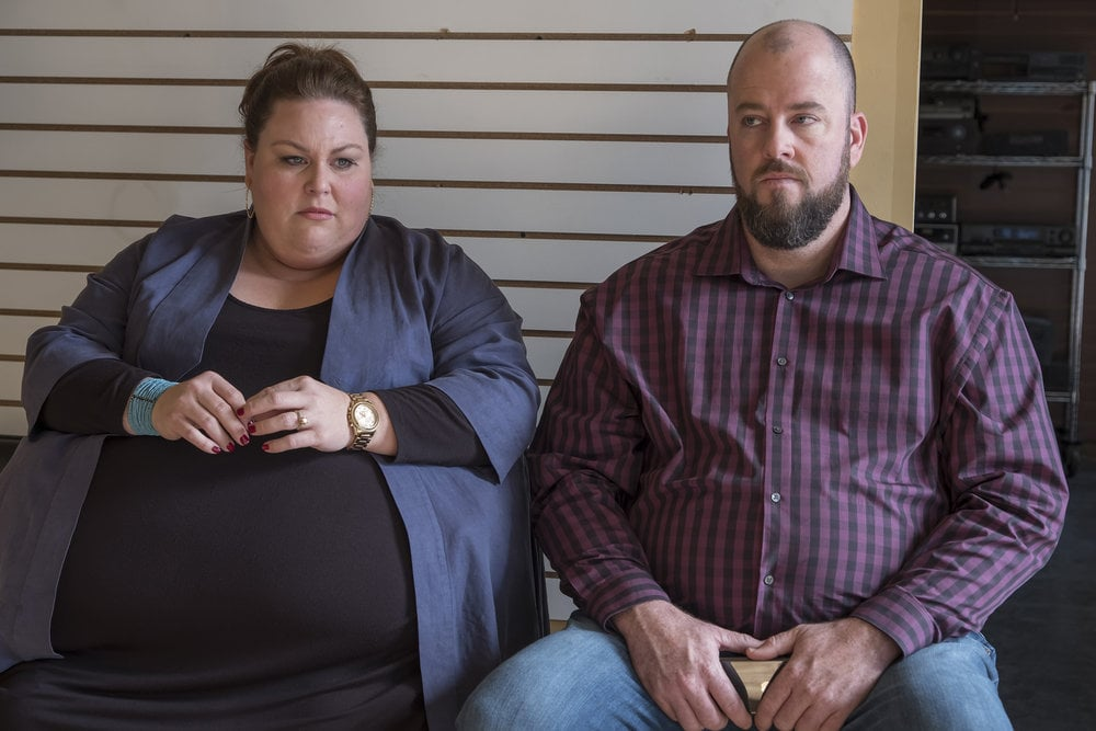 THIS IS US --  Episode 214 -- Pictured: (l-r) Chrissy Metz as Kate, Chris Sullivan as Toby -- (Photo by: Ron Batzdorff/NBC)