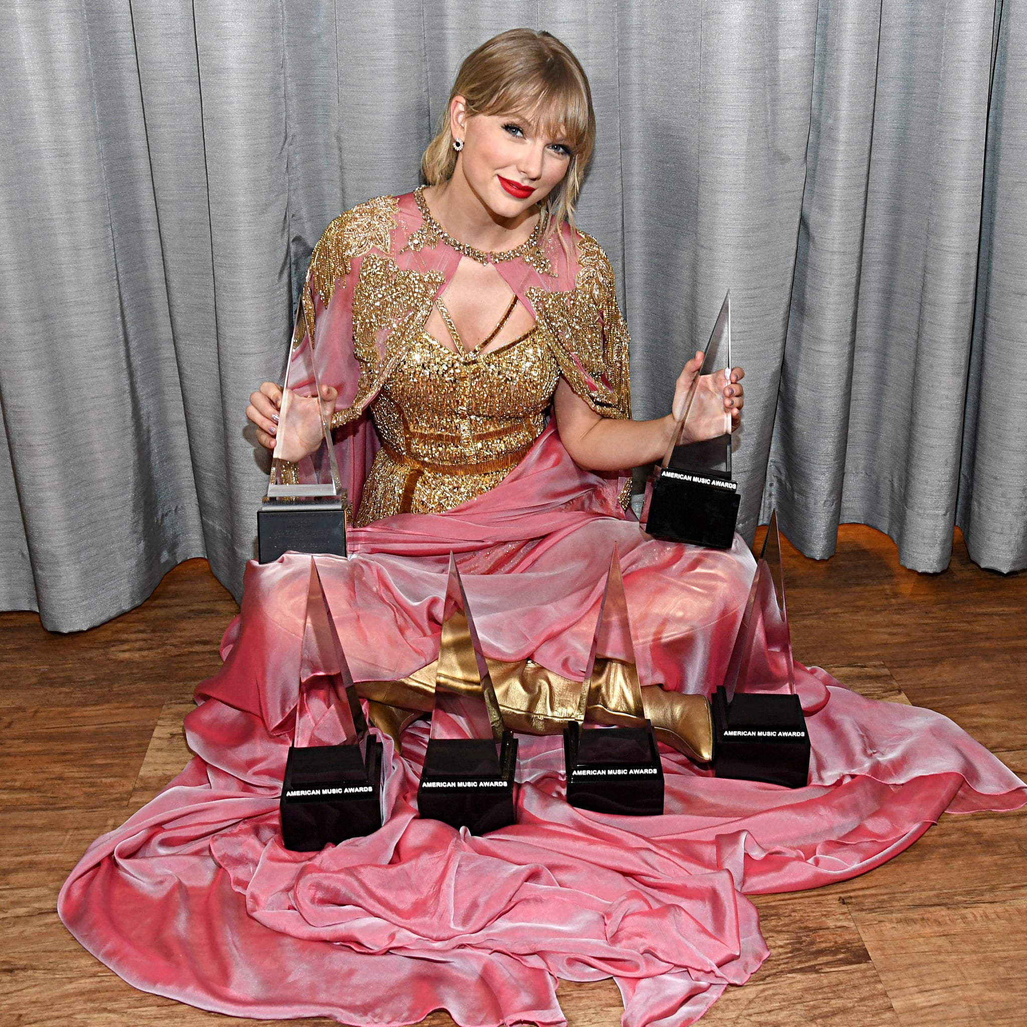 How Many American Music Awards Does Taylor Swift Have Popsugar Entertainment