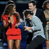 Andy Samberg could barely keep it together at the 2009 VMAs.