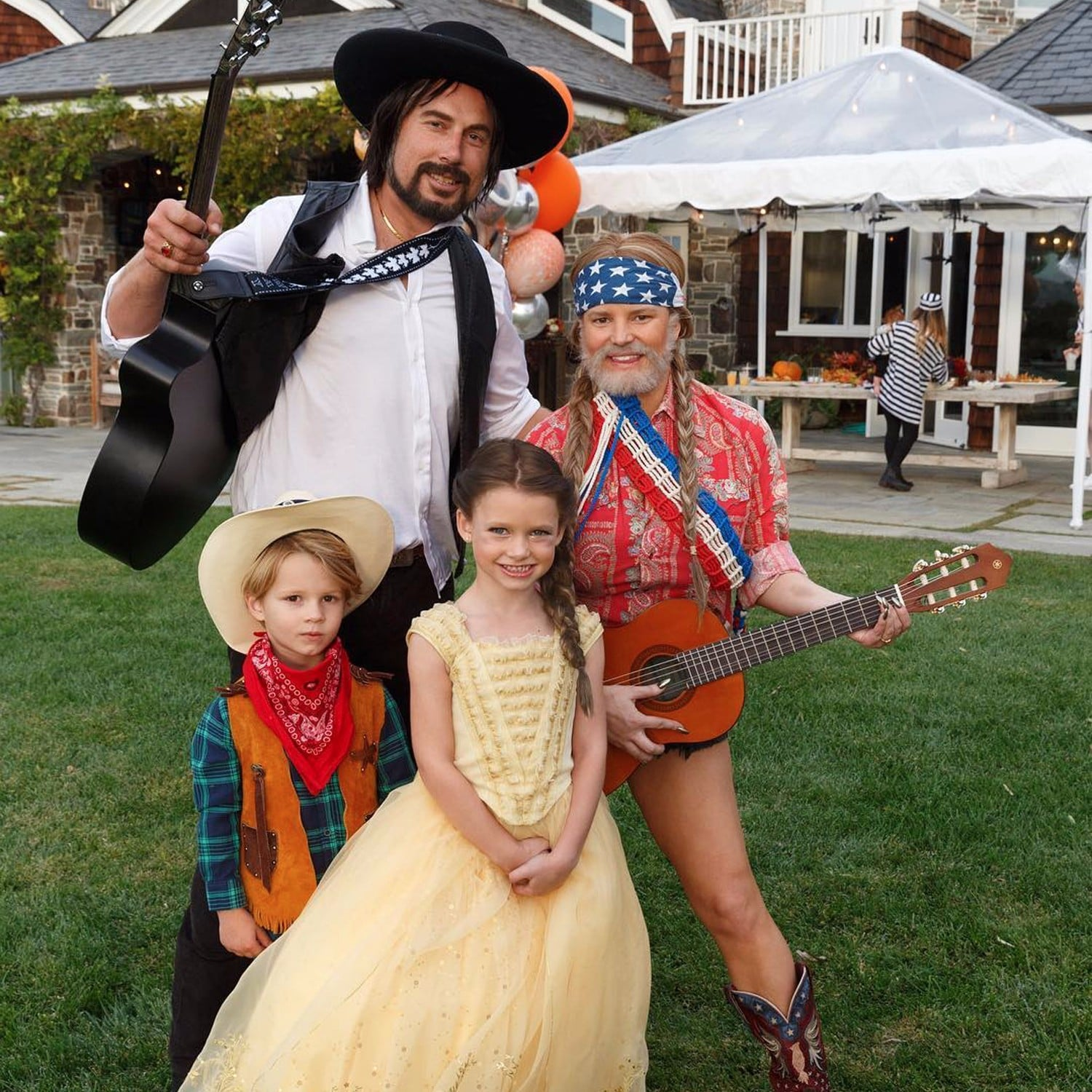 sc 1 st  Popsugar & Jessica Simpson Mommy-Shamed For Halloween Photo | POPSUGAR Moms