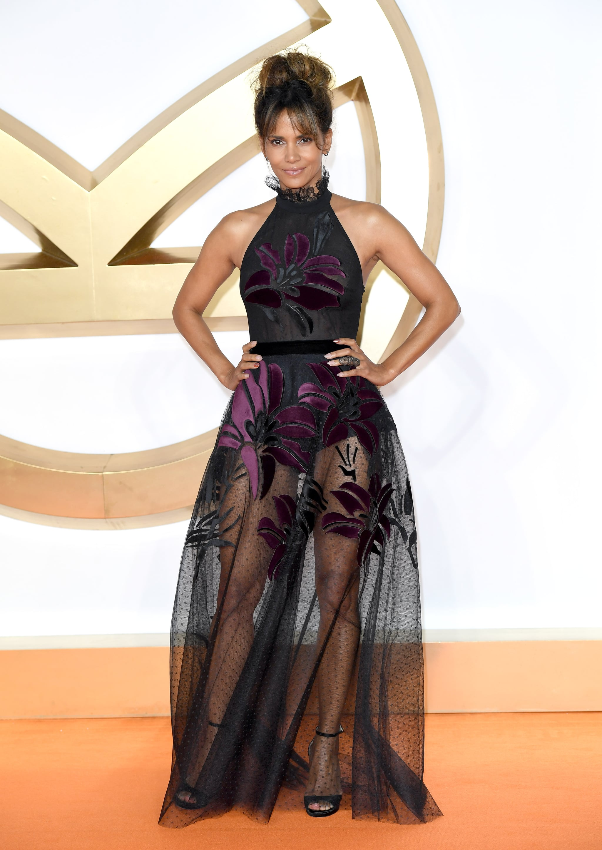 LONDON, ENGLAND - SEPTEMBER 18:  Halle Berry attends the 'Kingsman: The Golden Circle' World Premiere at Odeon Leicester Square on September 18, 2017 in London, England.  (Photo by Karwai Tang/WireImage)
