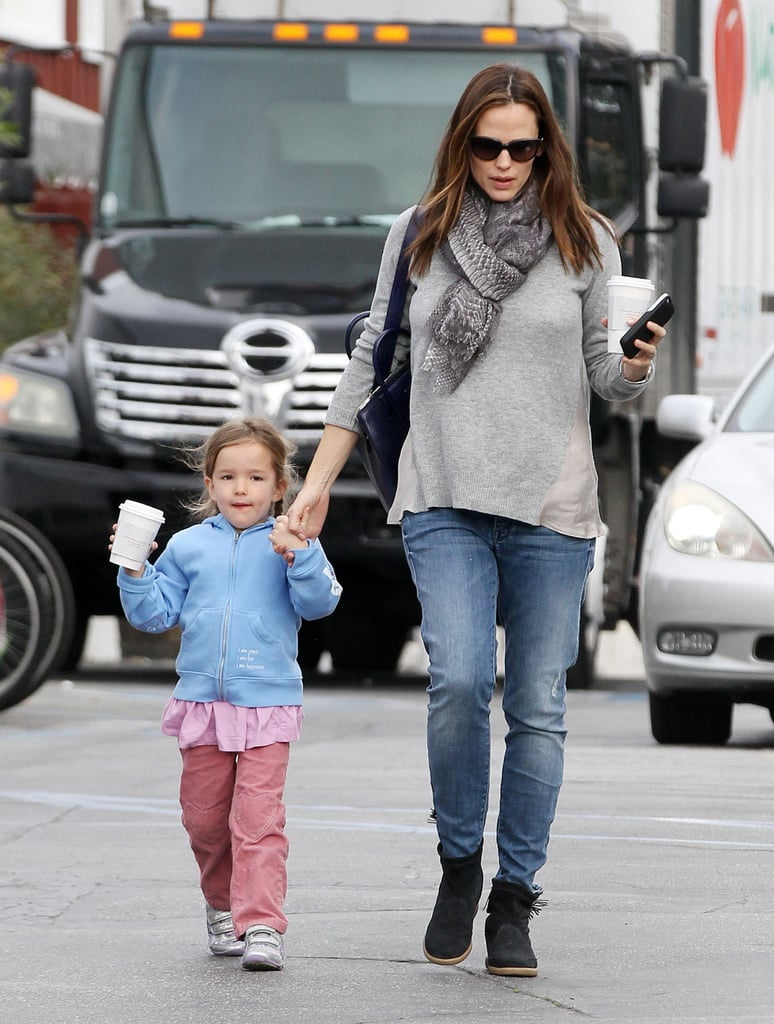 Jennifer Garner and Sera Start Their Day With a Breakfast Stop