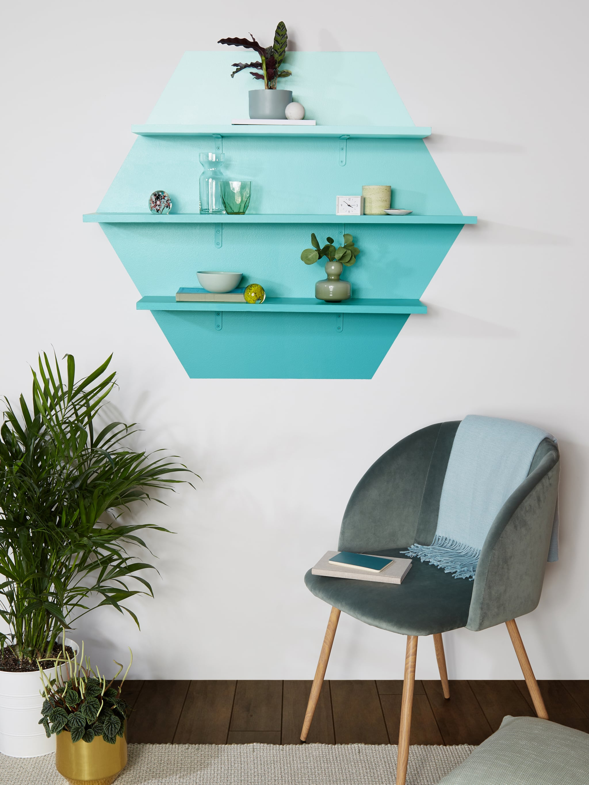 Trendy Ombré Shelving DIY | POPSUGAR Smart Living