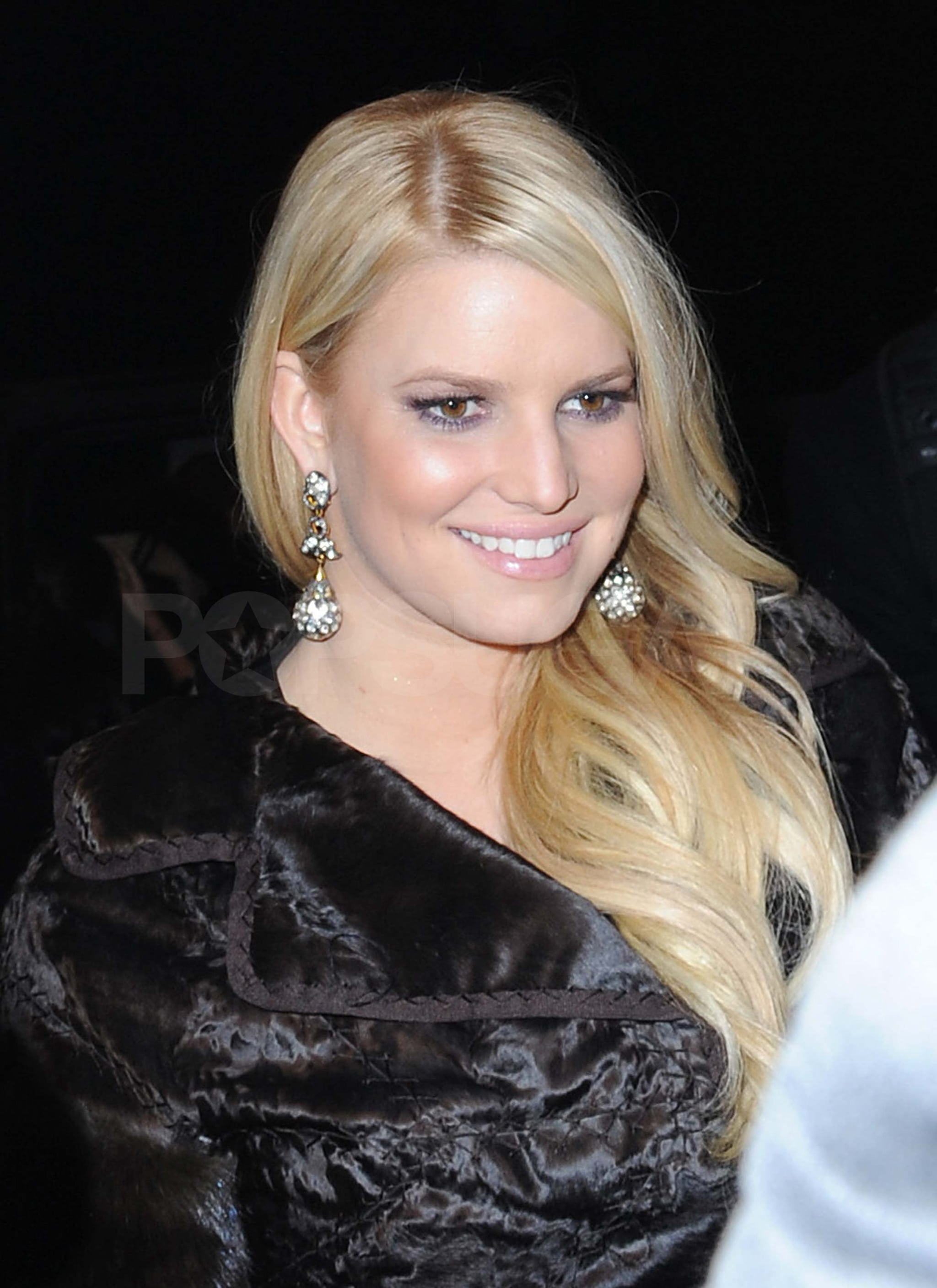 Pictures of Jessica Simpson and Eric Johnson Leaving NYC Hotel 2010 ...