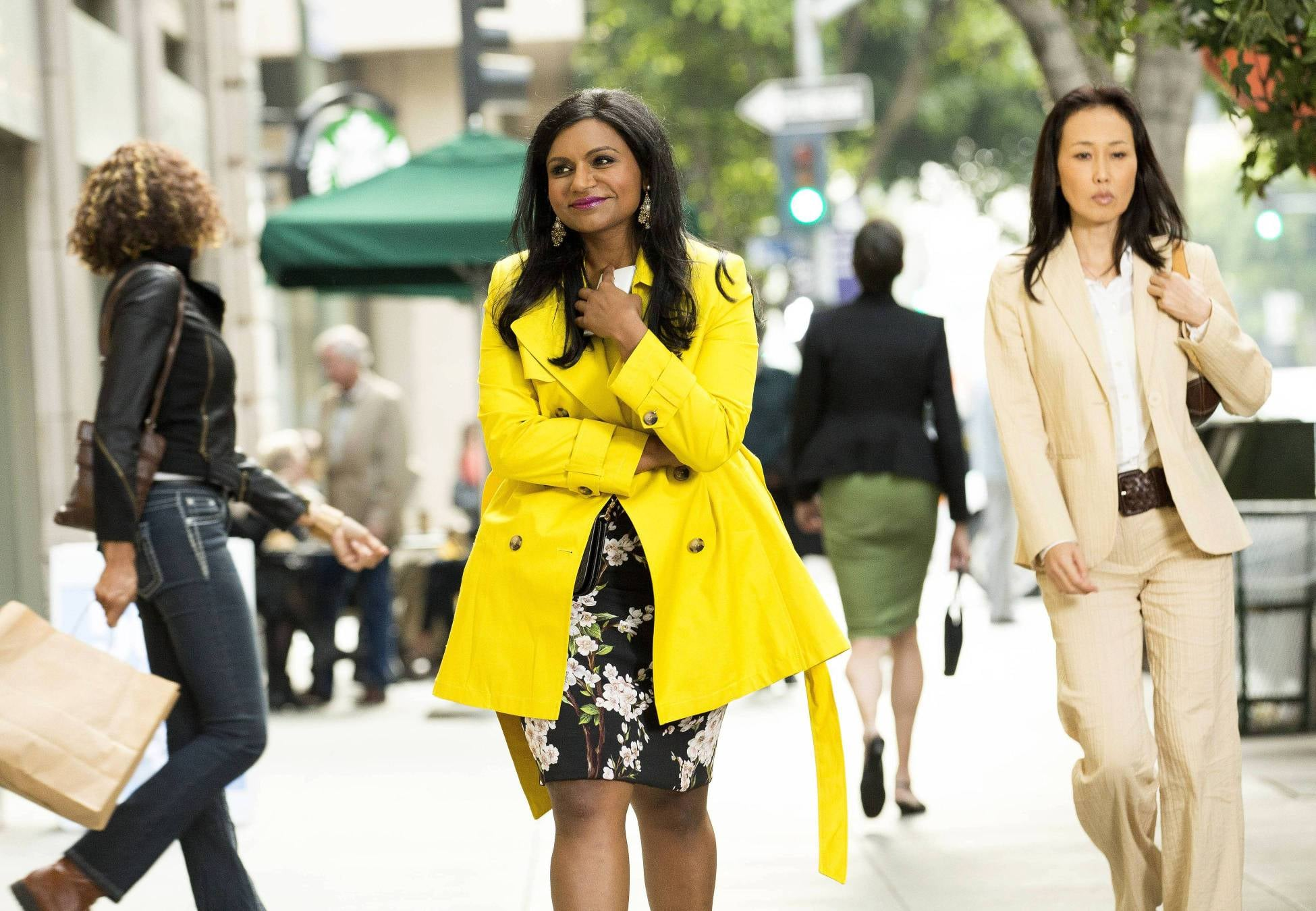 Mindy looks happy in the season finale — you can't wear yellow and be sad.