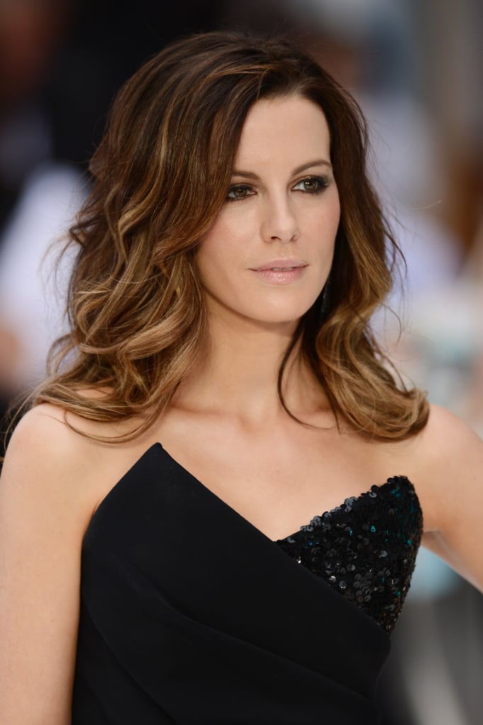 Kate Beckinsale sported natural, tousled hair.