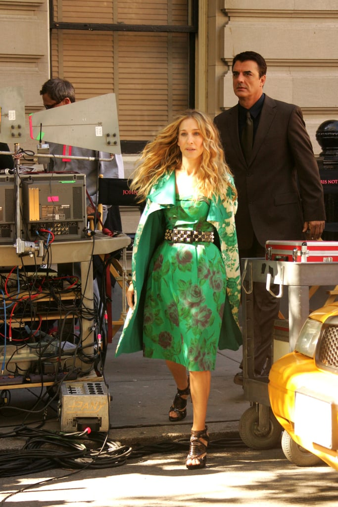SATC Movie Sneak Peek! Carrie's Green Getup: Love It or Hate It?