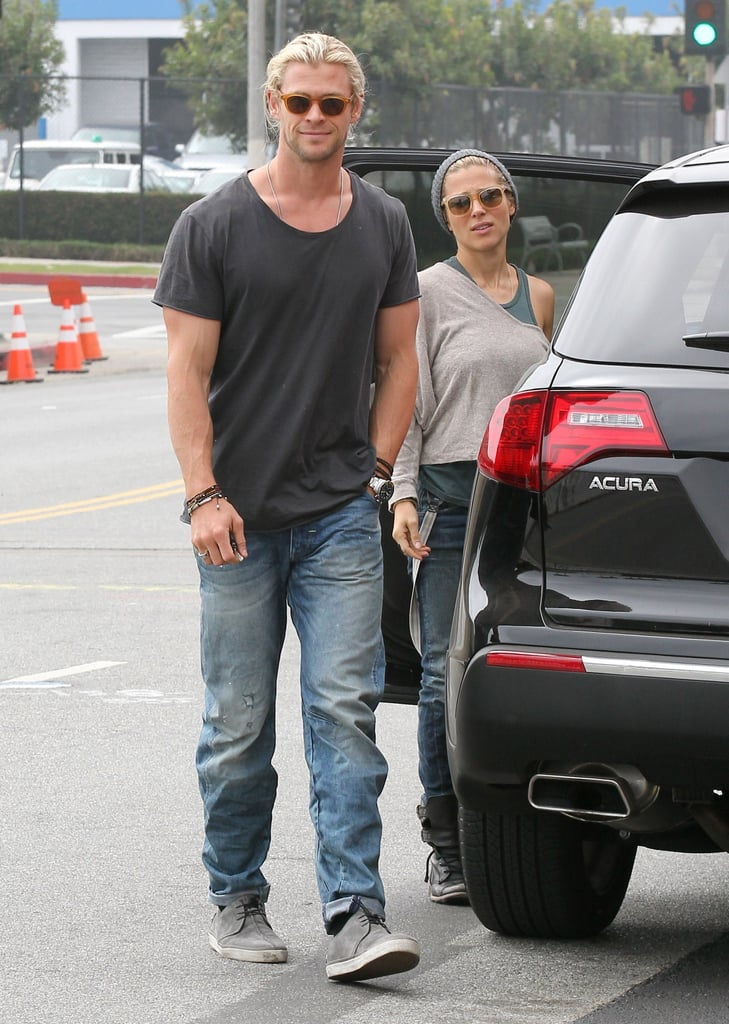 Blond Chris Hemsworth Shops With His Girls