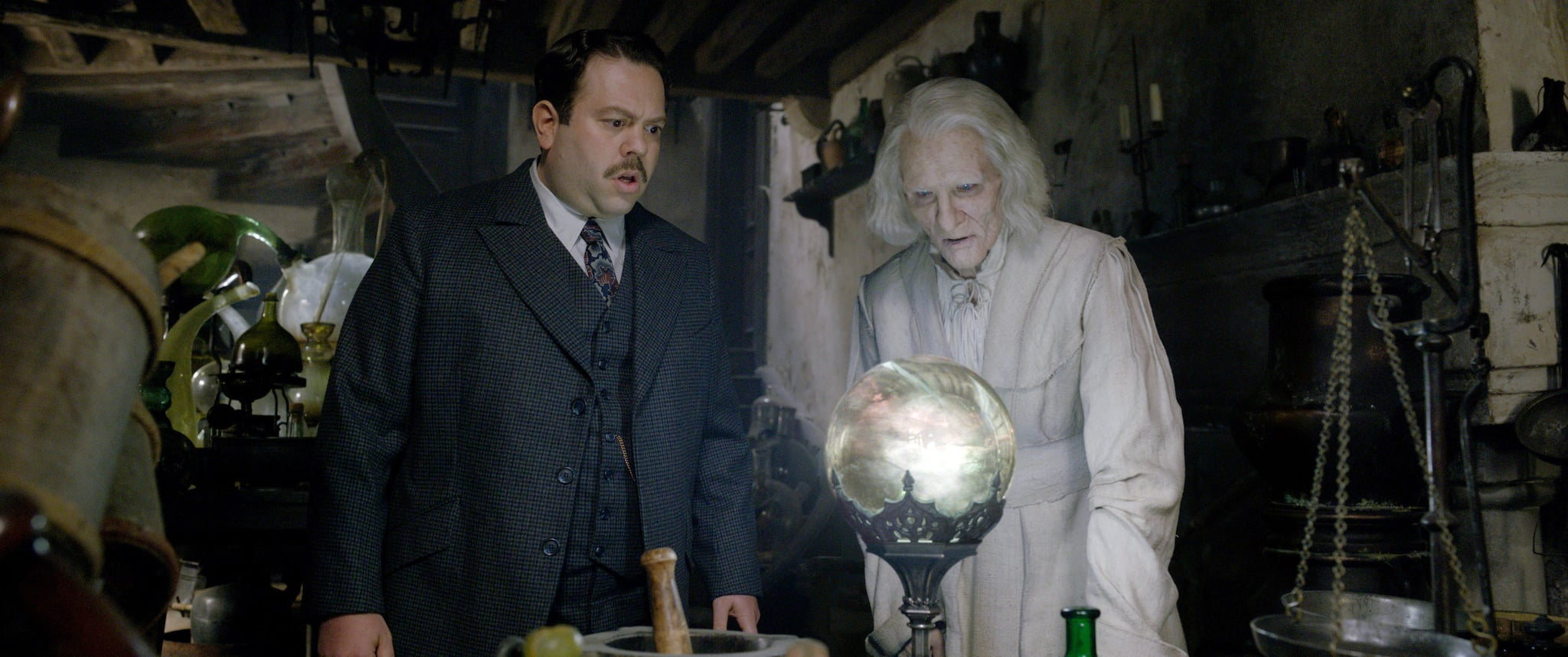 FANTASTIC BEASTS: THE CRIMES OF GRINDELWALD, from left: Dan Fogler, Brontis Jodourowsky, 2018.  2018 Warner Bros. Ent.  All Rights Reserved.Wizarding WorldTM Publishing Rights  J.K. Rowling WIZARDING WORLD and all related characters and elements are trademarks of and  Warner Bros. Entertainment Inc. /Courtesy Everett Collection