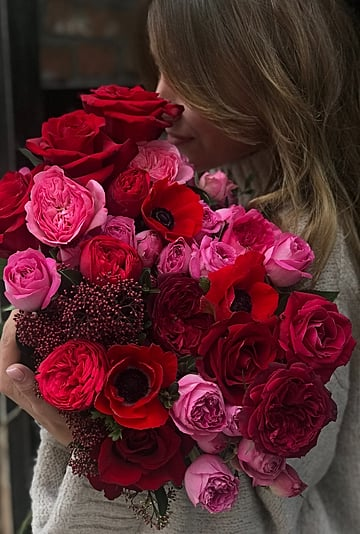 What Does the Number of Roses Given Mean?