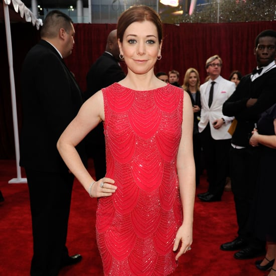 Pictures of Alyson Hannigan Pregnant and in red dress at the 2012 People's Choice Awards