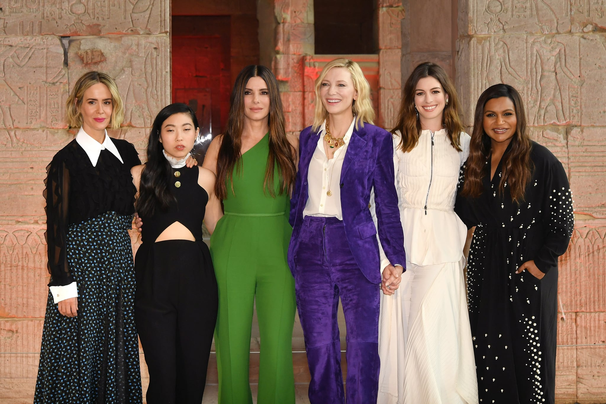 NEW YORK, NY - MAY 22:  (L-R) Sarah Paulson, Awkwafina, Sandra Bullock, Cate Blanchett, Anne Hathaway and Mindy Kaling attend the