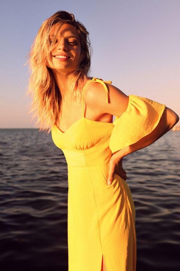 UO Boardwalk Cold Shoulder Midi Dress